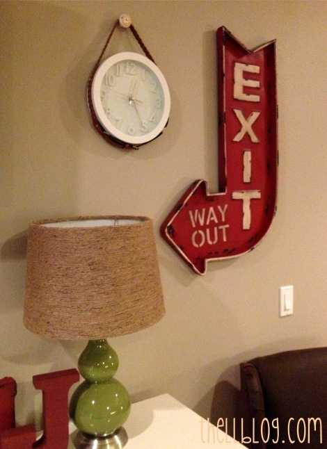 4 wall with belted clock